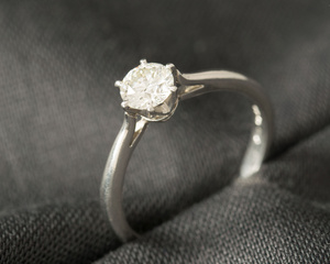 Diamond & Platinum Classic Six Claw Engagement Ring