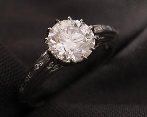 Diamond & Platinum Art Deco Style Dress Ring