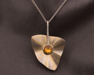 18ct Yellow & White Gold Citrine Diamond Pendant