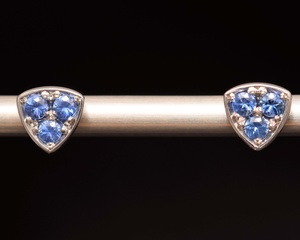 Sapphire & White Gold Earstuds