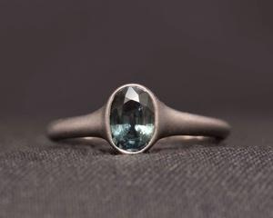 Sapphire & Platinum ring